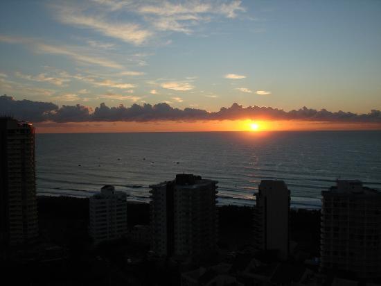 Surfers Paradise Marriott Resort & Spa: Blick auf den Ozean in der Früh´