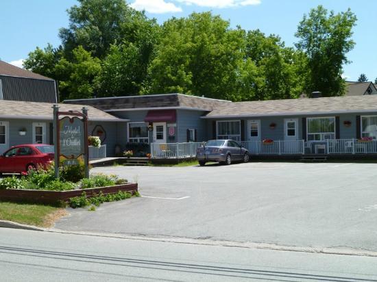 Motel de l'Outlet,eastern half