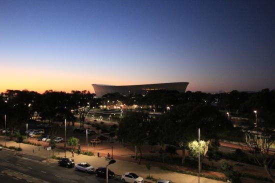 The Cape Royale: la vista del nuovo stadio dalla nostra stanza al tramonto