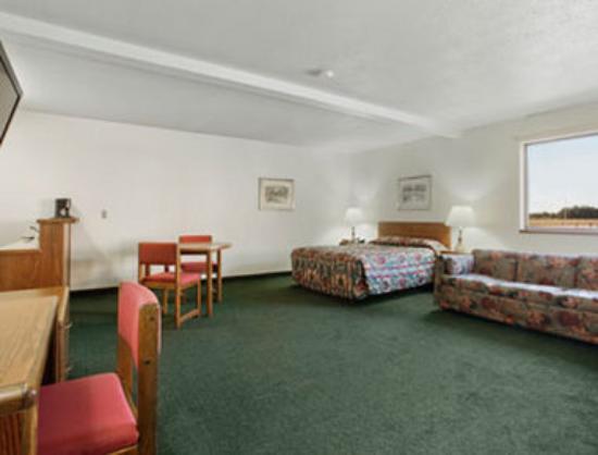 Super 8 Perham : Kitchenette Room