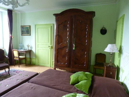 "La Neuve Tuilerie : Armario de ""Narnia"""
