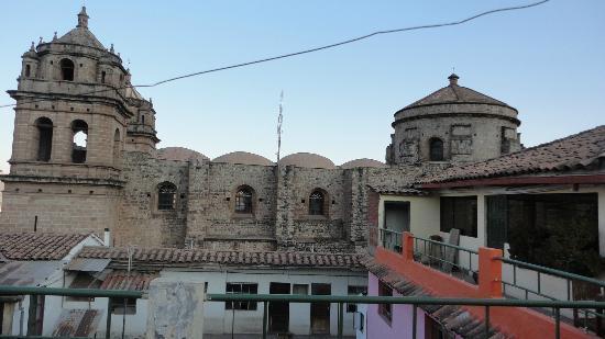 Incama Hostel Cusco: para sentarse y solo una mirada al atardecer