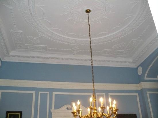 Casa Loma: Fancy ceilings