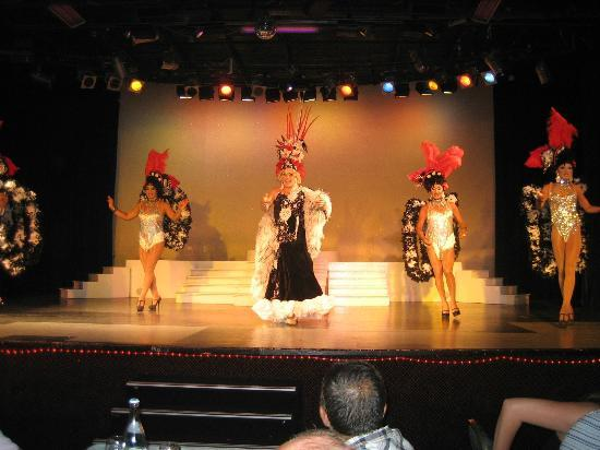 Hotel Samara: Changing Ladies show