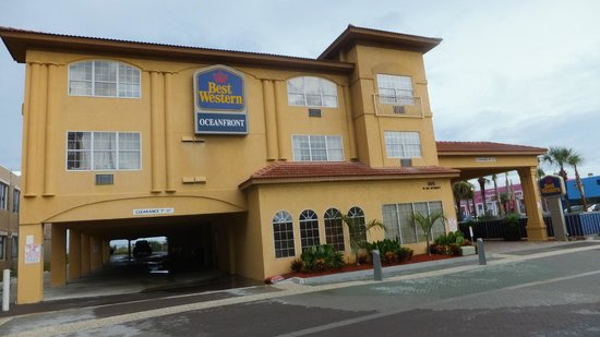 BEST WESTERN Oceanfront: Outside Front Hotel