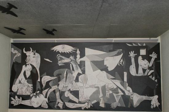Fundación Museo de La Paz de Gernika: panel