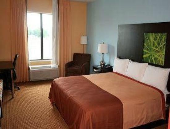 Super 8 Pennsville/Wilmington: room