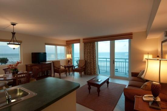Royal Floridian Resort: Oceanfront Room