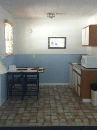 The Seaside Inn: kitchen
