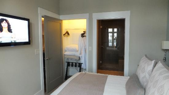 Bluegreen Vacations Studio Homes at Ellis Square, an Ascend Resort Collection: Closet