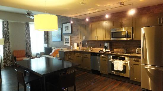 Bluegreen Vacations Studio Homes at Ellis Square, an Ascend Resort Collection : Kitchen