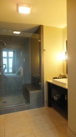 Bluegreen Vacations Studio Homes at Ellis Square, an Ascend Resort Collection: Bathroom3