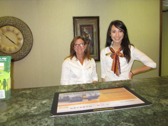 Norwood Inn Hudson Conference Center : Front Desk staff. They were so helpful and nice.