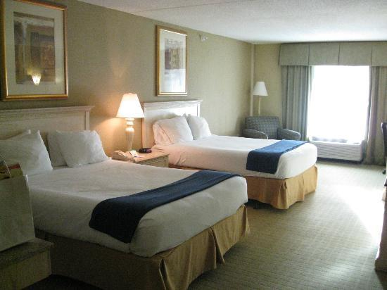 Holiday Inn Express Memphis Southwind : double Queen Sized beds