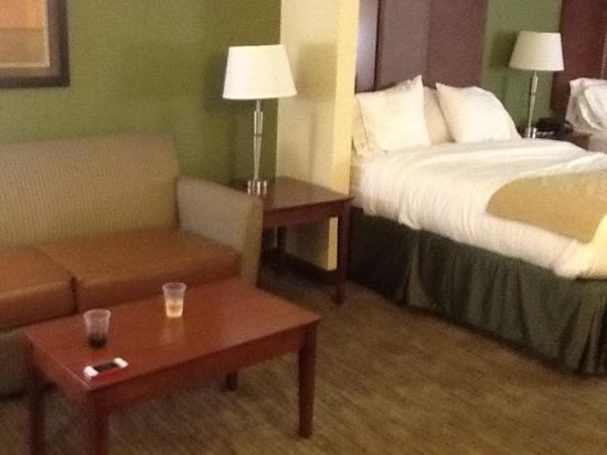 Holiday Inn Express and Suites Wytheville: Suite on the 3rd floor