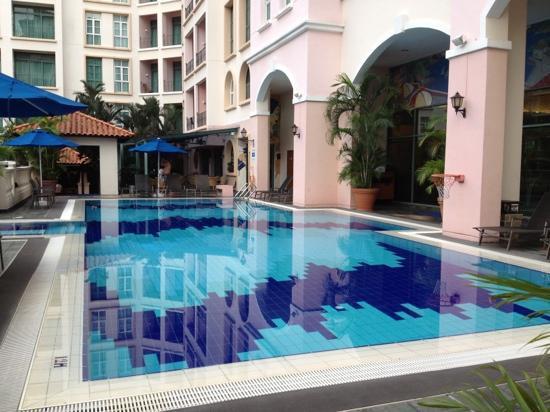 Fraser Place Robertson Walk, Singapore: Pool area