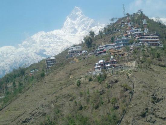 View Top Lodge and Restaurant : paragliding view of srangkot