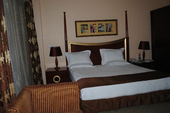 賽尤納酒店