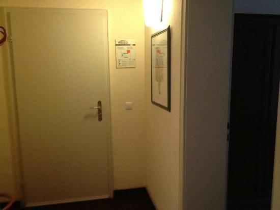 Hotel Regina: hallway