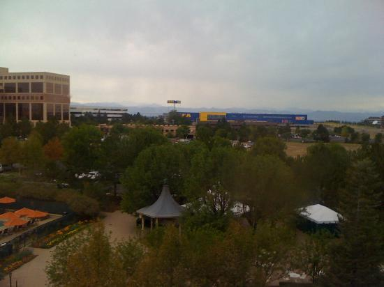 Hilton Denver Inverness: Lovely view of IKEA