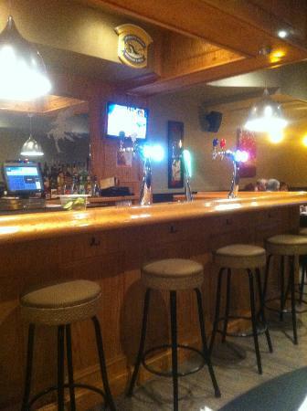 Captain Ken's Diner-Billiards: Bar at the back of the restaurant