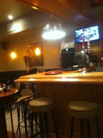 Captain Ken's Diner-Billiards: Bar at the back fo the restaurant