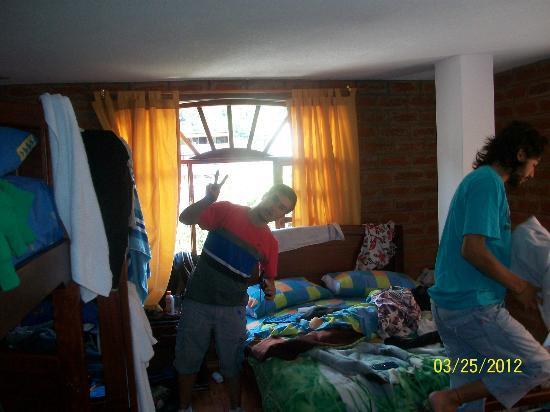 Hostal D' Mathias : Joel..boludeando en la habitacion!!!