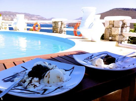 Panormos Village: Chocolate souffle by the pool