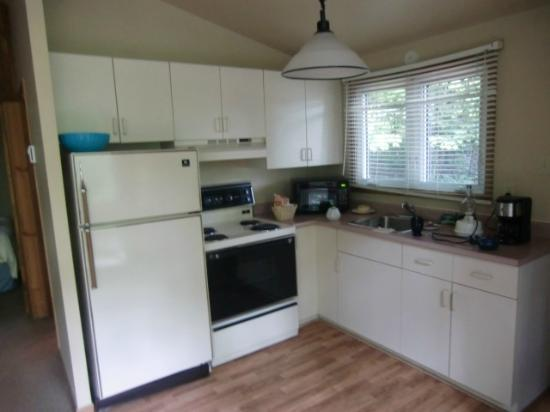 Trillium Resort and Spa: Full Kitchen. There is also a separate Dining Room