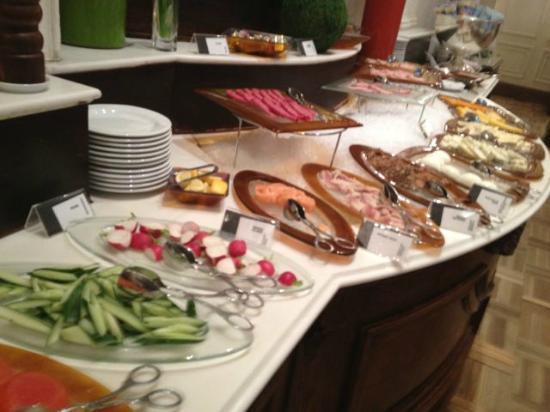 Hotel Bristol, a Luxury Collection Hotel, Warsaw: Breakfast buffet