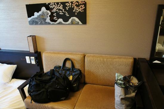 Takayama Ouan: sofa