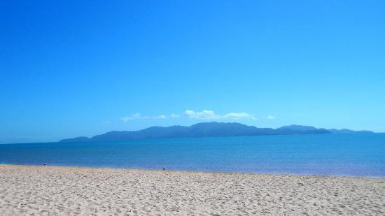 Waters Edge The Strand: Beach