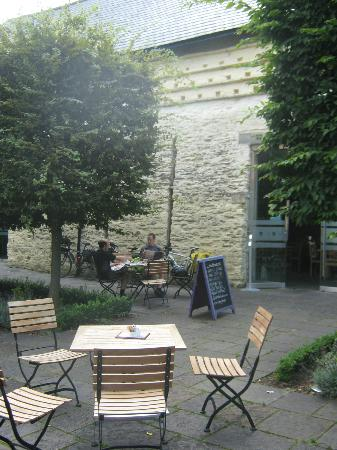 The Tithe Barn, St Marys Church: Outdoor seating area - very nice in the summer