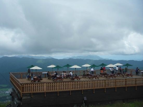 Χακούμπα-μούρα, Ιαπωνία: 天上のカフェ