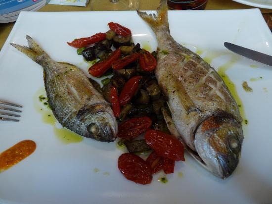 Osteria Alla Staffa: Dorades aux petits légumes confits