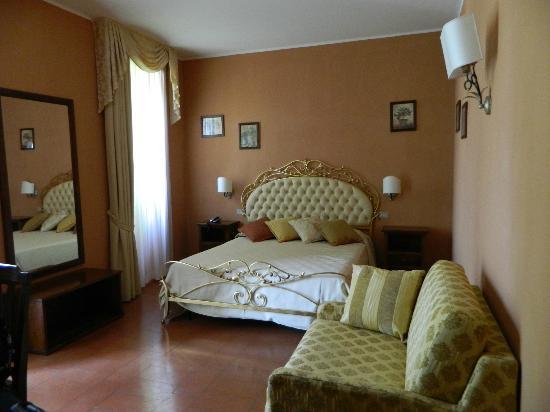 Hotel Torre Dei Calzolari Palace: Camera 
