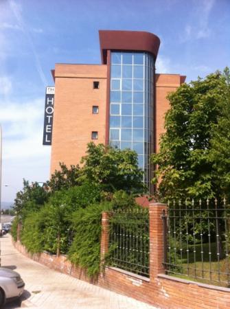 NH Porta Barcelona: fachada hotel