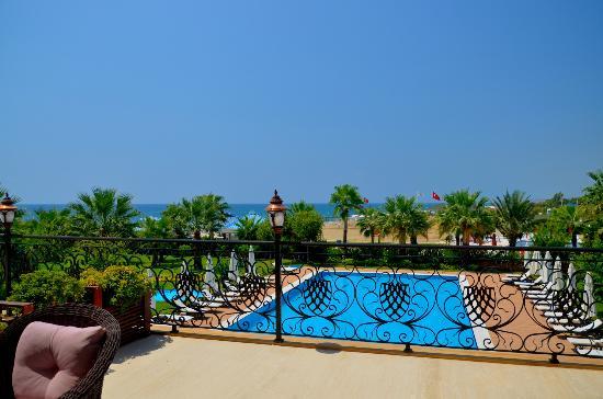 Villa Augusto: Sea & pool view from valencia room