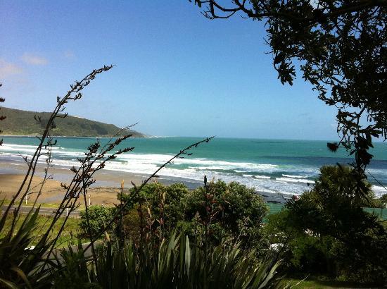 Ahipara Bay Motel : Going down to the beach