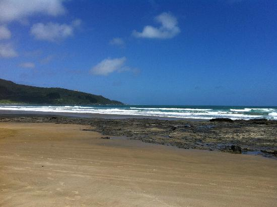 Ahipara Bay Motel: The closest beach