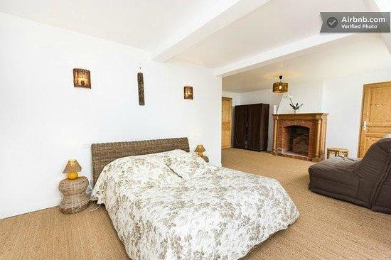 ch teau des foug res b b trouville france voir les tarifs 77 avis et 235 photos. Black Bedroom Furniture Sets. Home Design Ideas
