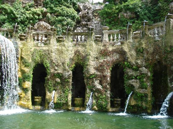 Part of the ovete fountain in the tivoli gardens picture for Jardin villa d este