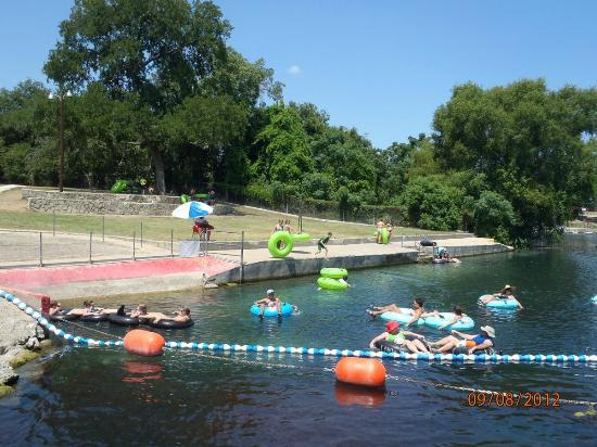 New Braunfels, TX: Top of the tube chute