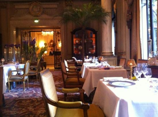 Le Cinq: Inside, just stunning