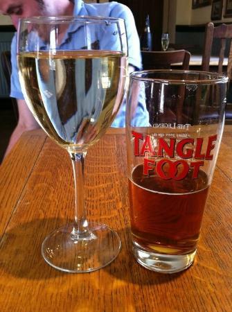 St. Peters Finger: Good ale, nice wine!!