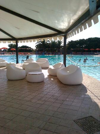 Blu Hotel Kaos: piscina