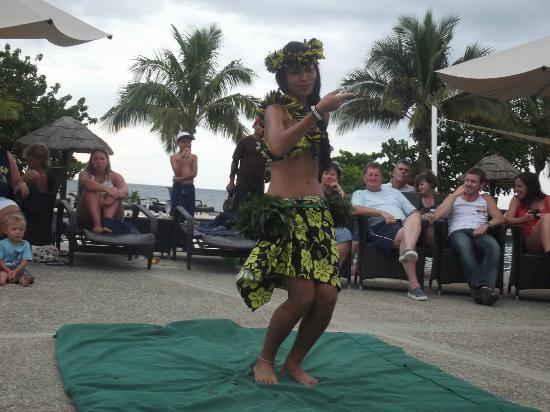 Wyndham Resort Denarau Island: Dancing resort
