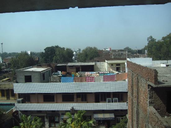 Country Inn & Suites By Carlson-Amritsar, Queens Road: Another unexciting view