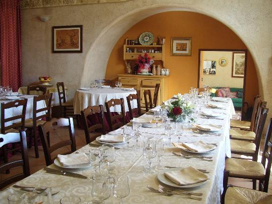 Casale Sombrino: 08_una delle nostre sale da pranzo