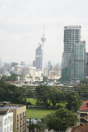 Hotel Sentral: the view of the KL tower from the room